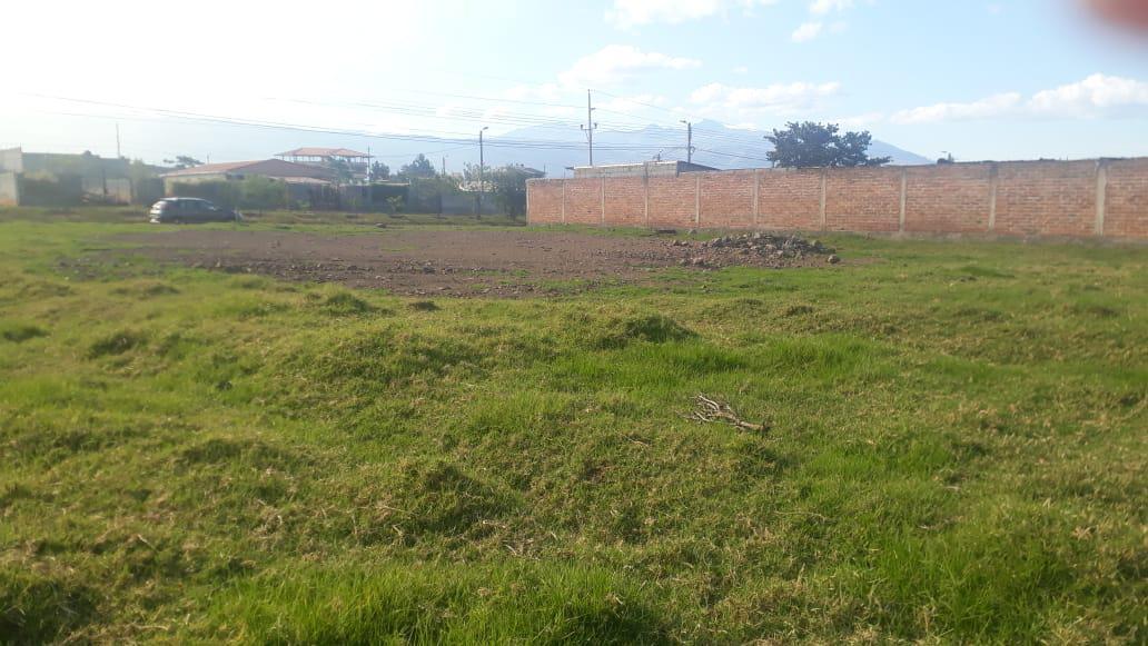 Foto Terreno en Venta en  Los Chillos,  Quito  Ur.b. De Los Economistas