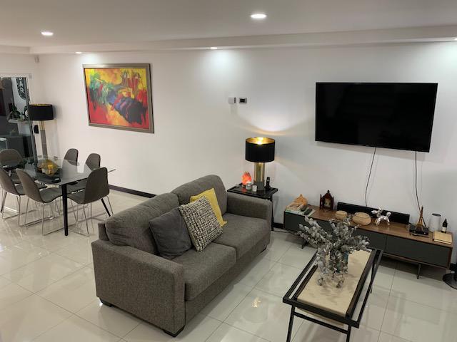 Foto Casa en condominio en Venta en  Santa Ana ,  San José  Santa Ana / Céntrico / 3 habitaciones  / Ático / Terraza y Jardín