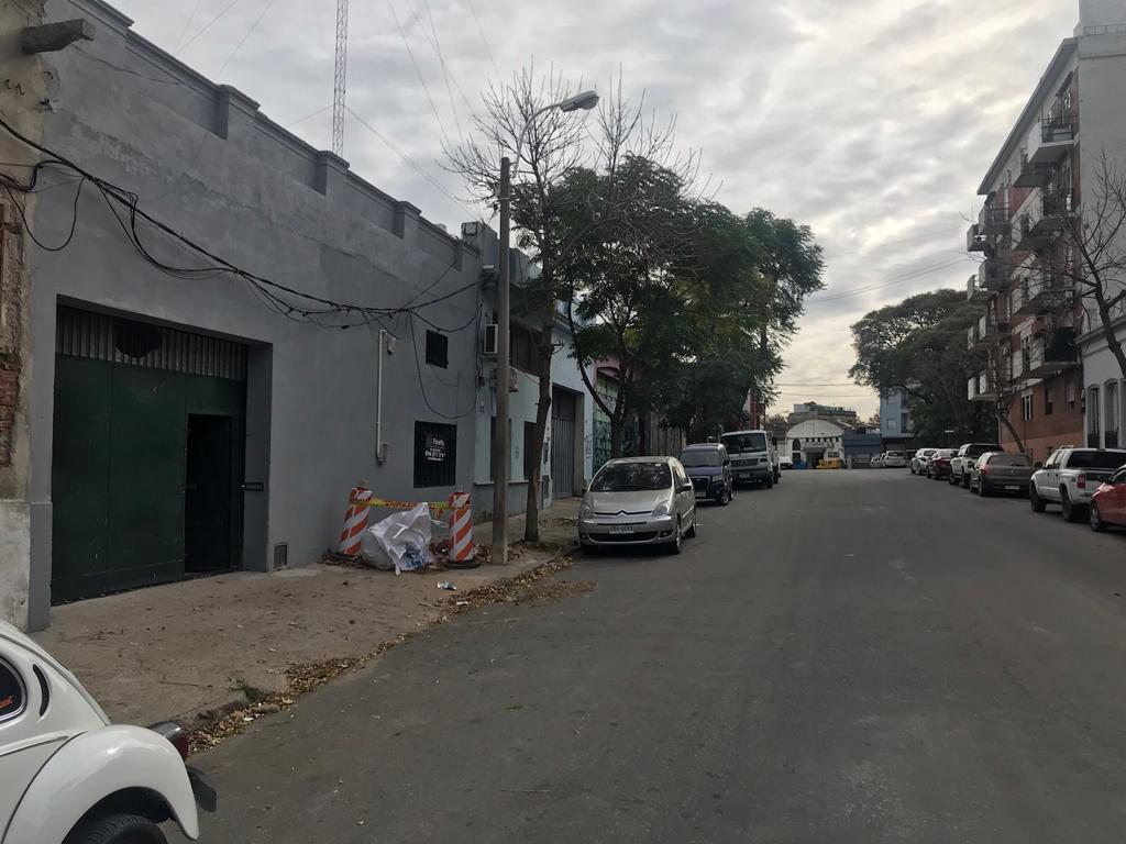 Foto Depósito en Venta en  Aguada ,  Montevideo  LEZAMA Y COLOMBIA