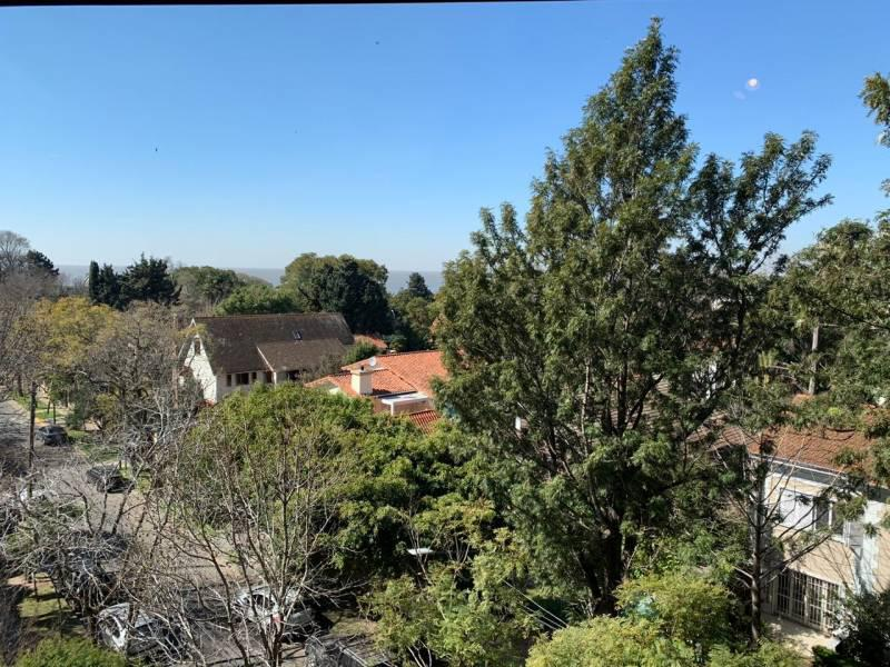 Foto Departamento en Venta en  La Lucila,  Vicente Lopez  Av. del Libertador  al 3700