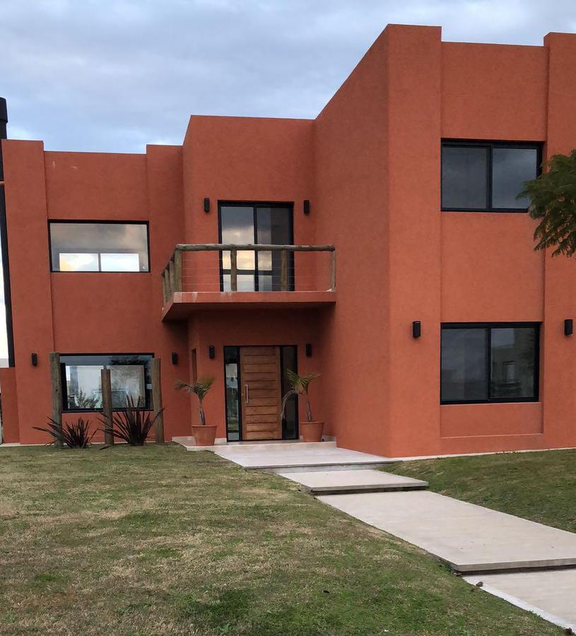 Foto Casa en Venta en  Vistas,  Puertos del Lago  Puertos del Lago