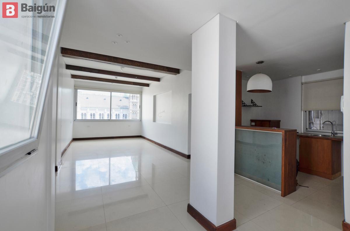 Foto Oficina en Alquiler en  Retiro,  Centro  ROJAS al 400