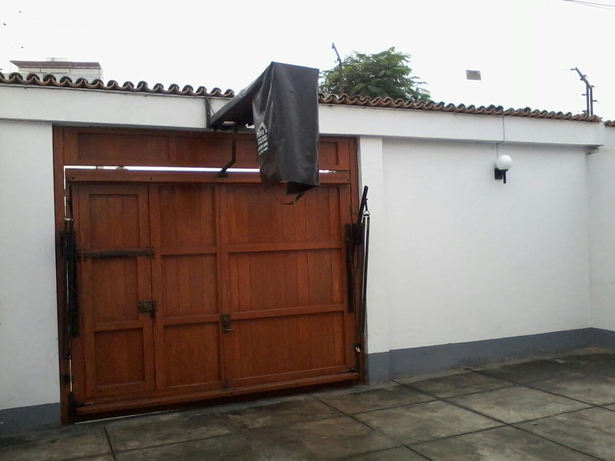 Foto Casa en Alquiler en  Santiago de Surco,  Lima  Calle Cristobal de Peralta