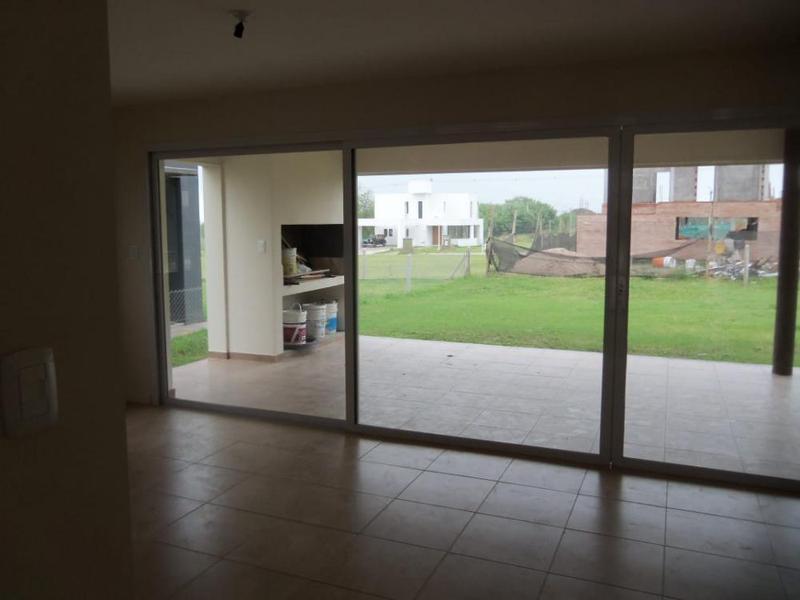 Foto Casa en Venta | Alquiler en  Yerba Buena ,  Tucumán  Country Vilanova
