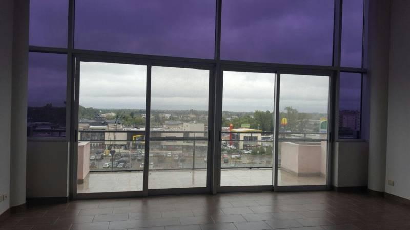 Foto Oficina en Venta en  Centro Comercial ,  Nordelta  Nordelta! Venta de Oficina frente al centro comercial