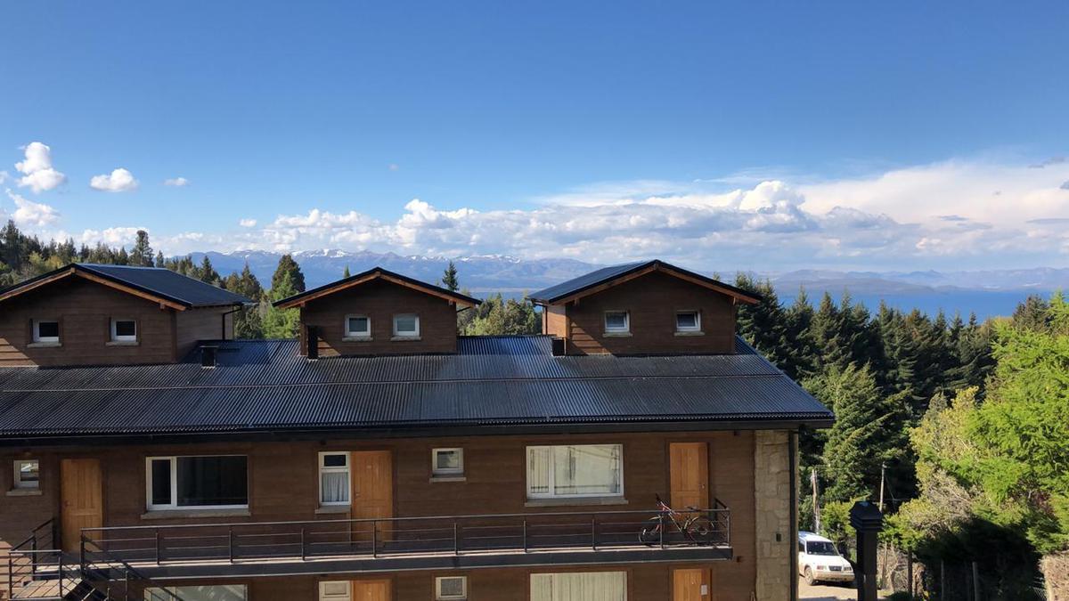 Foto Departamento en Venta en  Cerro Runge,  San Carlos De Bariloche  Km 1 de Pioneros Edicio Clover Huapi