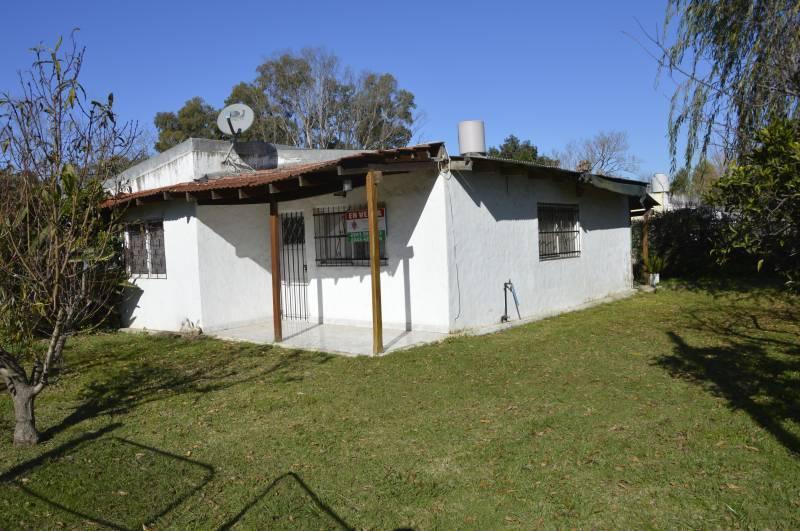 Foto Casa en Venta en  General Belgrano,  General Belgrano  132 e/ 63 y 65 al 700