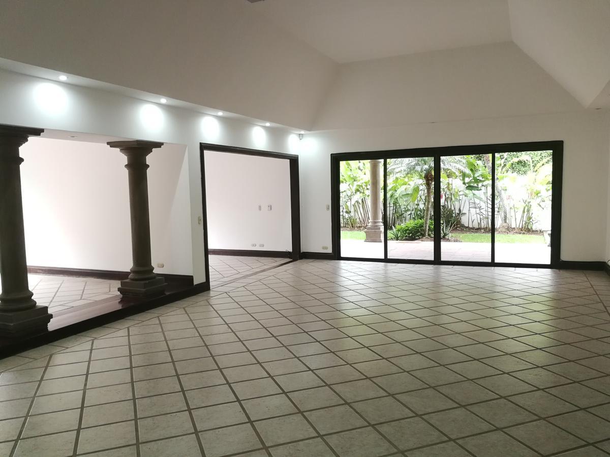 Foto Casa en condominio en Venta | Renta en  Santana,  Santa Ana  Bosques de Lindora / Piscina propia