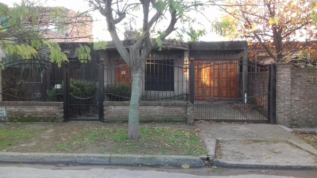 Foto Casa en Venta en  Ricardo Rojas,  Tigre  Santa Rosa de Lima al 2800