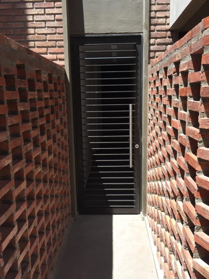 Foto Departamento en Venta en  Macrocentro,  Rosario  Maipú 1448 1°