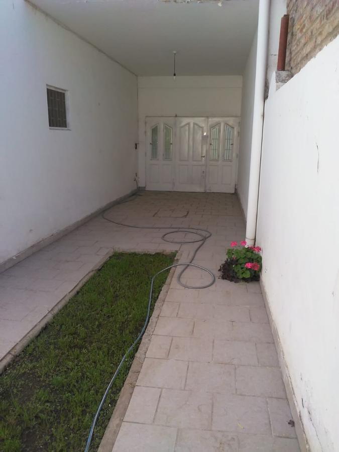 Foto Casa en Venta en  Neuquen,  Confluencia  Linares al 500.  Casa en Venta