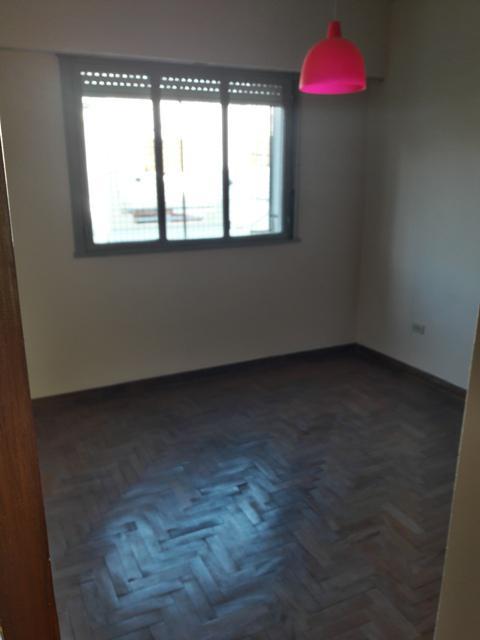 Foto Departamento en Alquiler en  Floresta ,  Capital Federal  Rosalia de Castro al 4600