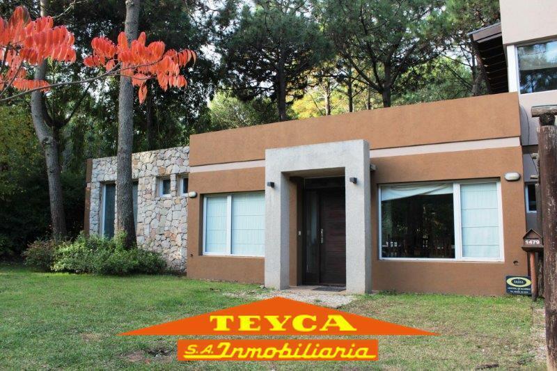 Foto Casa en Venta en  Nayades I,  Pinamar  Titanes 1479 E/ Heraclidas y Nereidas
