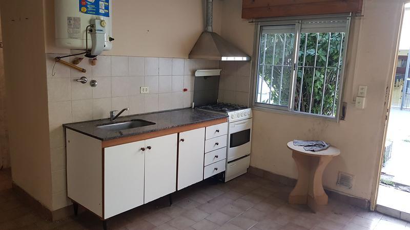 Foto Oficina en Venta en  Moron Sur,  Moron  Aberastain al 500