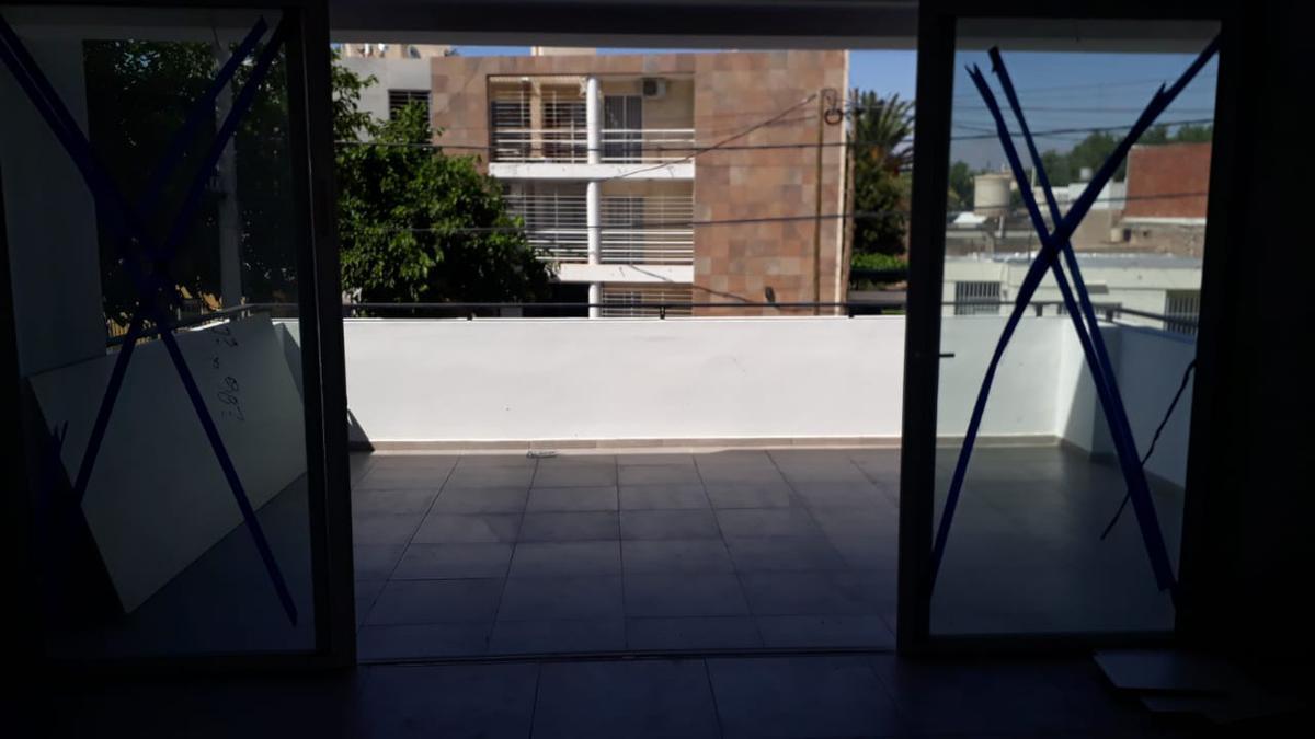 Foto Departamento en Alquiler en  Trinidad,  Capital  Mariano Moreno al 200