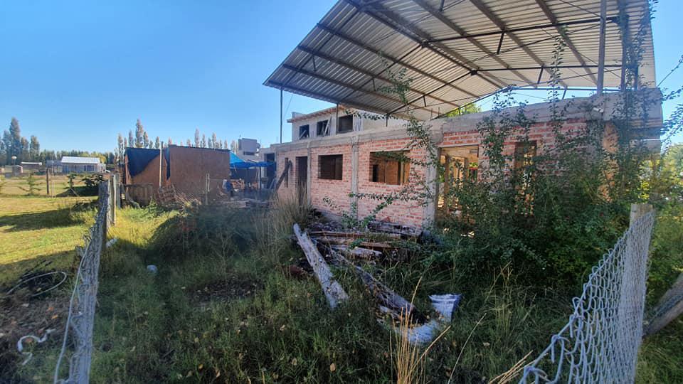 Foto Casa en Venta en  Plottier,  Confluencia  El Almendro al 100