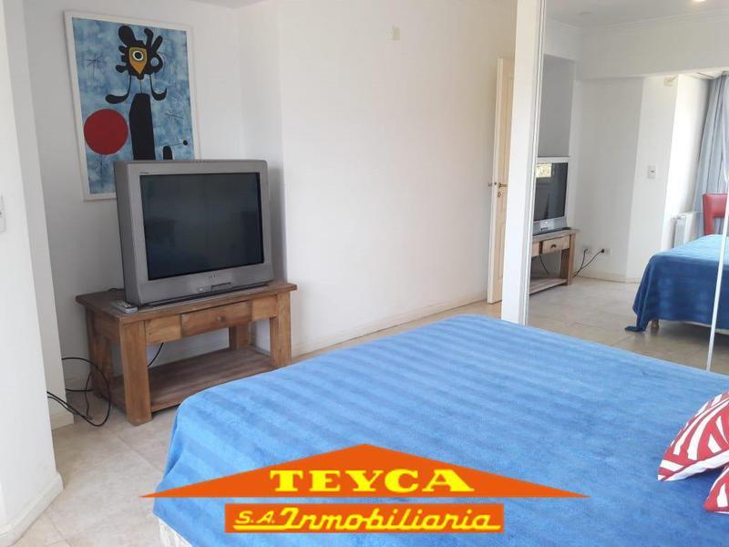 Foto Departamento en Alquiler temporario en  Pinamar ,  Costa Atlantica  AV. BUNGE 520 - 5° piso