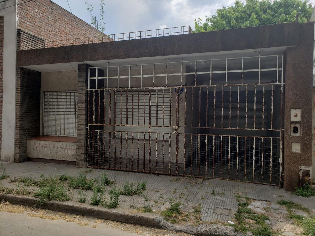 Foto Casa en Venta en  Azcuenaga,  Rosario  Montevideo 5200