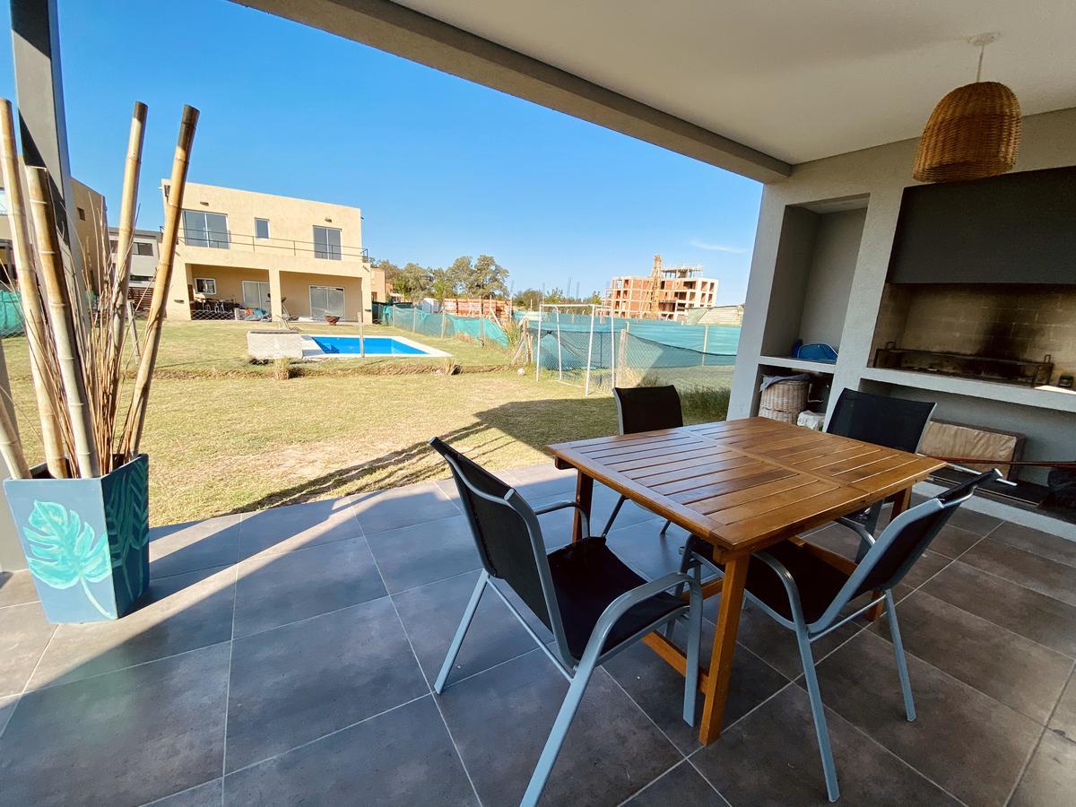 Foto Casa en Venta en  Vila Marina,  Countries/B.Cerrado (Tigre)  Barrio Vila Marina