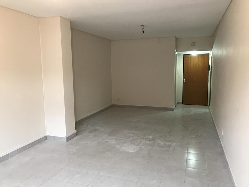 Foto Oficina en Venta en  Esc.-Centro,  Belen De Escobar  Asborno 799 1° Of: 4