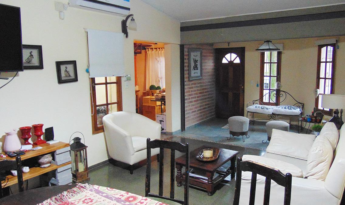 Foto Casa en Venta en  General Pico,  Maraco  31 esq. 38