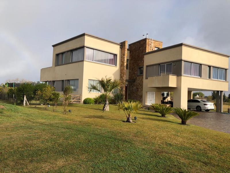 Foto Casa en Venta en  La Providencia,  Countries/B.Cerrado (Ezeiza)  Venta - Casa en La Providencia