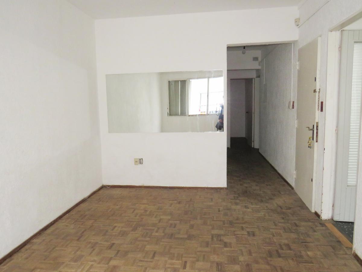 Foto Apartamento en Alquiler en  Malvín ,  Montevideo  Rambla Republica de Chile  esq. Arrascaeta