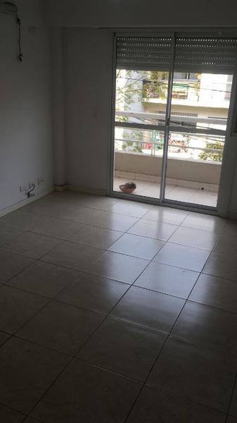 Foto Departamento en Alquiler en  S.Fer.-Vias/Centro,  San Fernando  3 de febrero 2852 2a