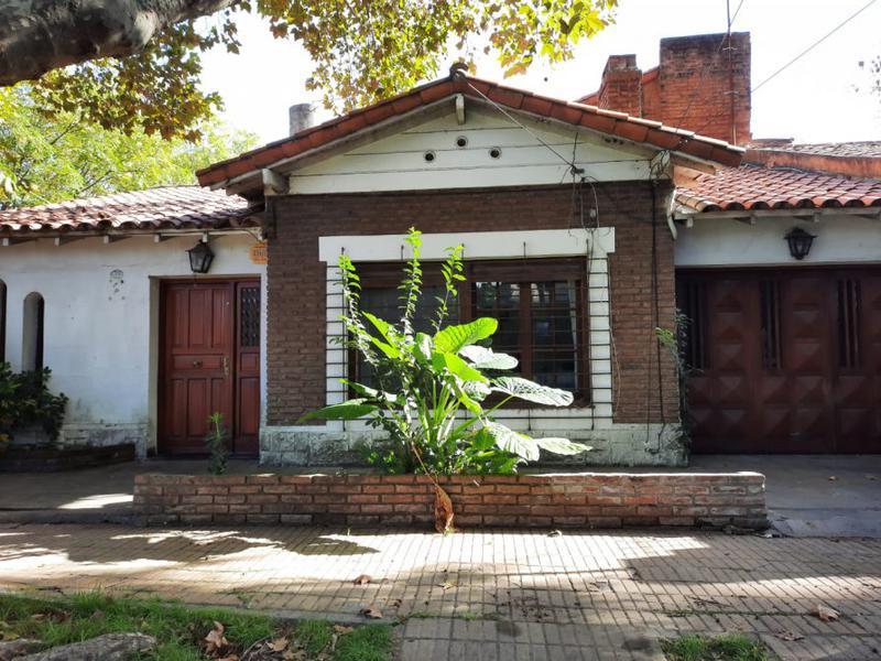 Foto Casa en Venta en  Jose Marmol,  Almirante Brown  CANALE 2305, Esq. Saenz Peña