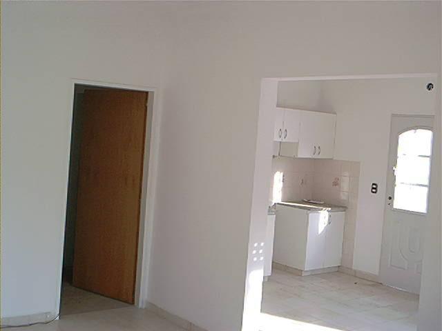 Foto Local en Alquiler en  San Miguel ,  G.B.A. Zona Norte  Salerno 2461