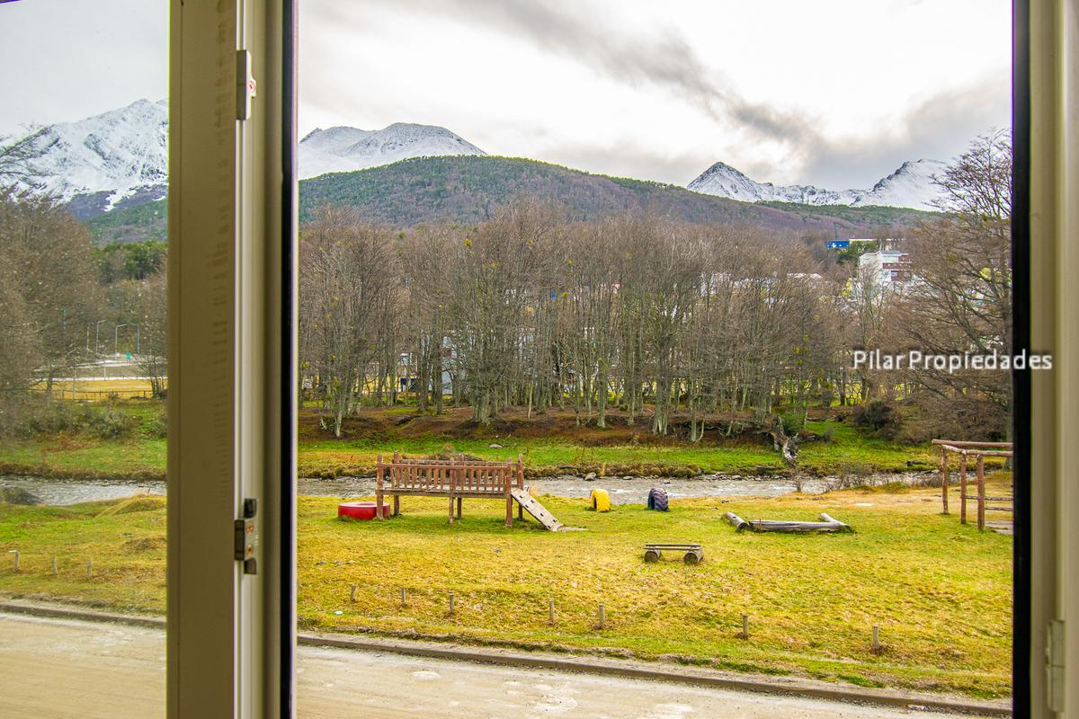 Foto PH en Alquiler en  Ushuaia ,  Tierra Del Fuego  Del Norte
