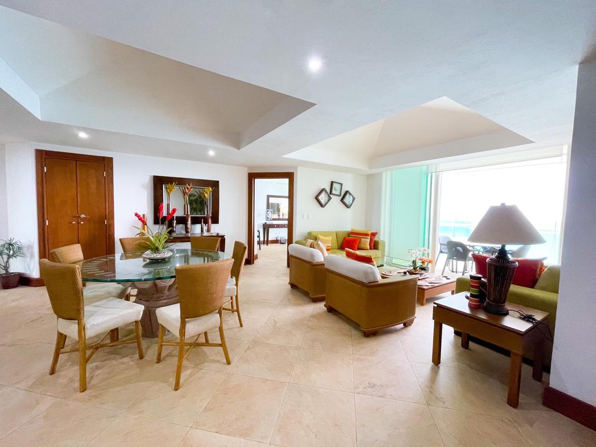 Foto Departamento en Venta en  Zona Hotelera,  Cancún  DEPARTAMENTO VENTA BAY VIEW GRAND CANCUN 2 RECAMARAS