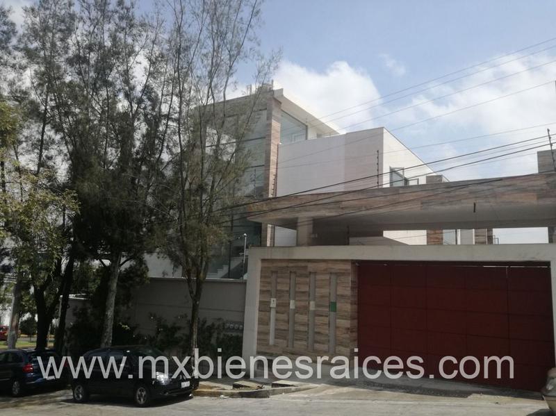 Foto Casa en condominio en Venta en  Lomas de Tecamachalco,  Naucalpan de Juárez  Tecamachalco estrena en condominio horizontal