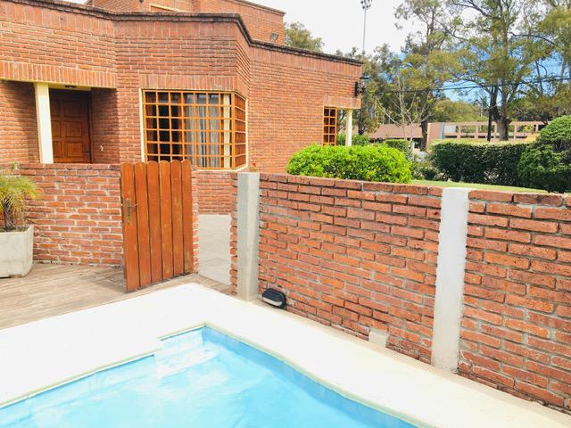 Foto Casa en Venta en  Carrasco Norte ,  Montevideo  Carrasco Norte
