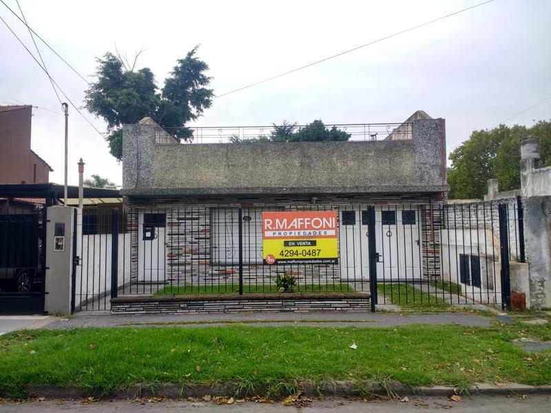 Foto Casa en Venta en  Adrogue,  Almirante Brown  QUINTANA al 300