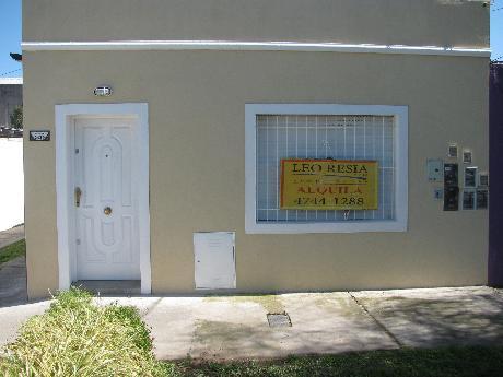 Foto Departamento en Alquiler en  S.Fer.-Vias/Centro,  San Fernando  ALVEAR 2439