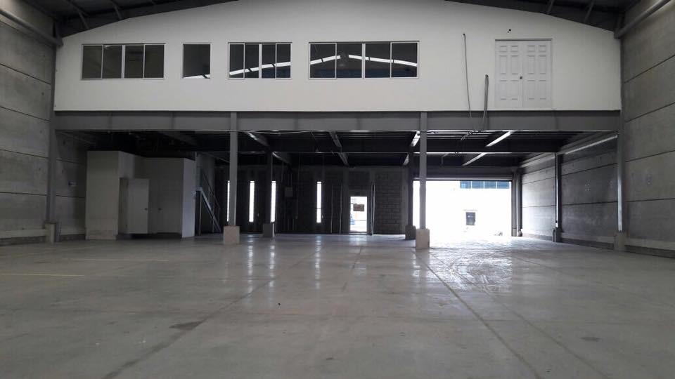 Foto Bodega Industrial en Renta en  Heredia,  Heredia  Heredia / Ofibodega / 620Mts / Mezzanine / Exhibición