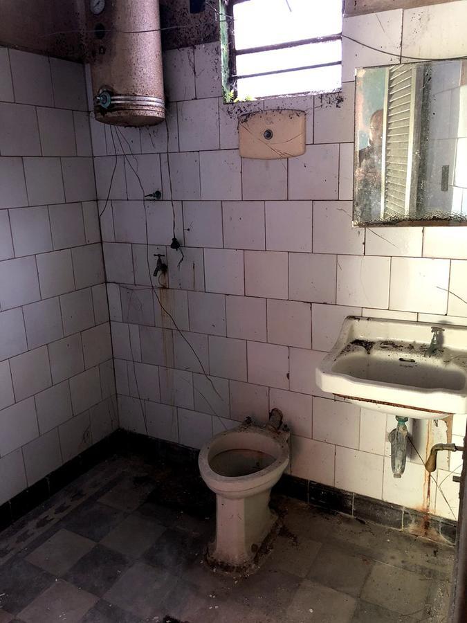 Foto Casa en Venta en  Pocitos ,  Montevideo  14 de Julio al sur de Av. Rivera - A RECICLAR