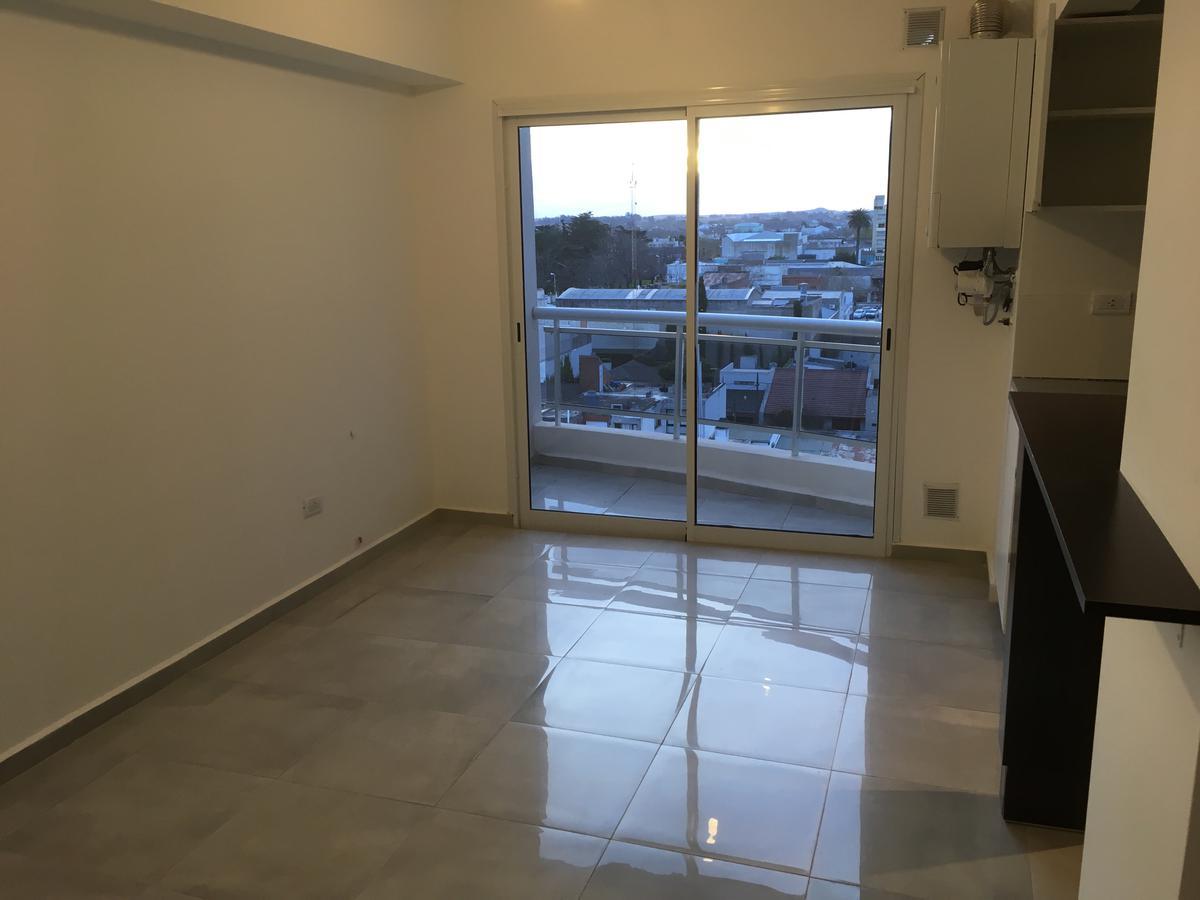 Foto Departamento en Alquiler en  Balcarce ,  Interior Buenos Aires          CALLE 20 ENTRE 13 Y 15