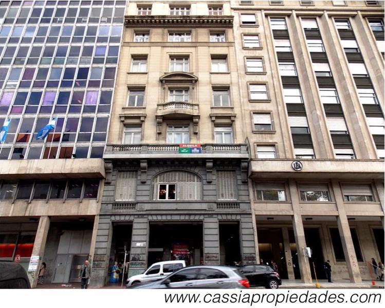 Foto Oficina en Venta en  Monserrat,  Centro (Capital Federal)  HIPOLITO YRIGOYEN 434