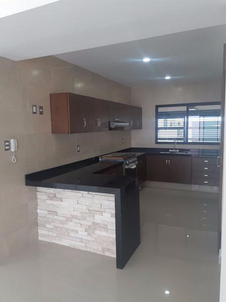 Foto Casa en Venta en  Alvarado ,  Veracruz  Residencia en Venta en Veracruz (en la Riviera. Rioja $ 2,200,000)