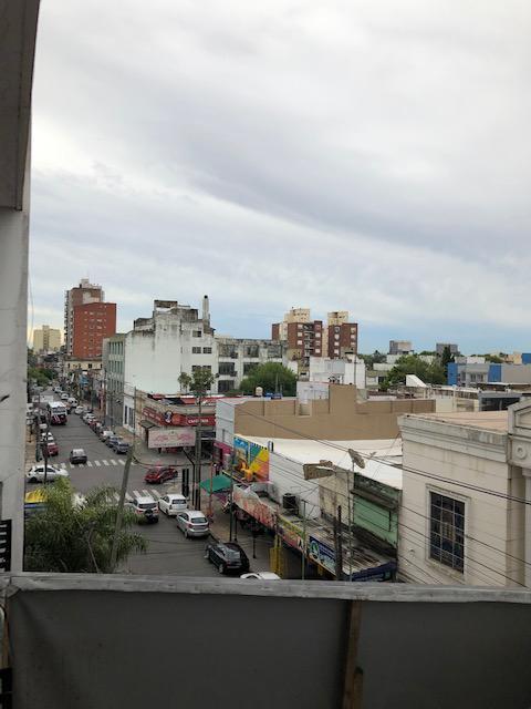Foto Departamento en Venta en  Lomas De Zamora ,  G.B.A. Zona Sur  Laprida al 500