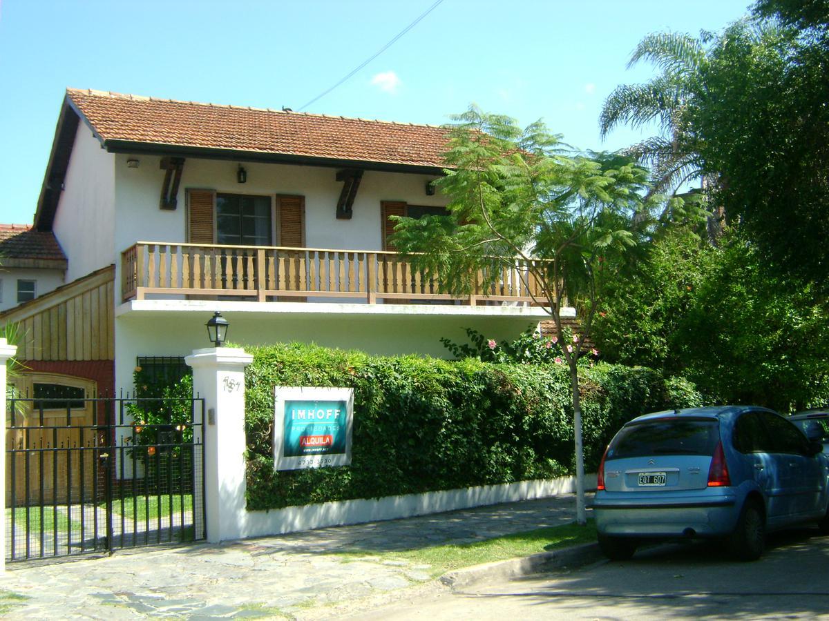 Foto Casa en Alquiler en  Acassuso,  San Isidro  Fernandez Espiro al 700