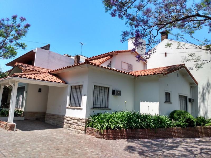 Foto Casa en Venta en  La Lucila-Vias/Maipu,  La Lucila  DIAZ VELEZ al 900