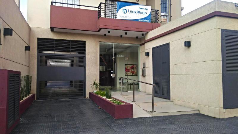Foto Departamento en Venta en  Remedios De Escalada,  Lanus  Melo al 4434  1ºA con cochera