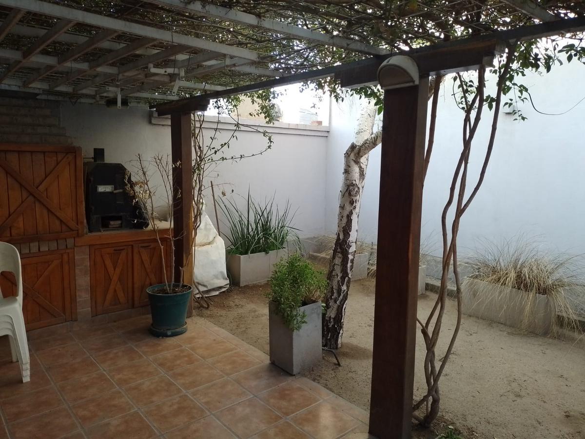 Foto Casa en Venta en  Neuquen,  Confluencia  Barrio Rincon de Emilio. Excelente Oportunidad en Venta.