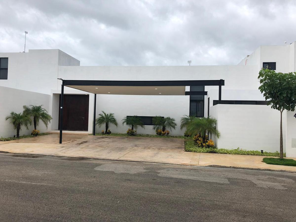 Foto Casa en Renta en  Pueblo Dzitya,  Mérida  En renta residencia de lujo amueblada en excelente zona del norte de Mérida.