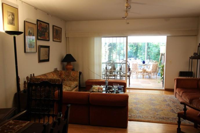 Foto Casa en Venta en  Olivos-Vias/Maipu,  Olivos  SARMIENTO D. F. al 2200