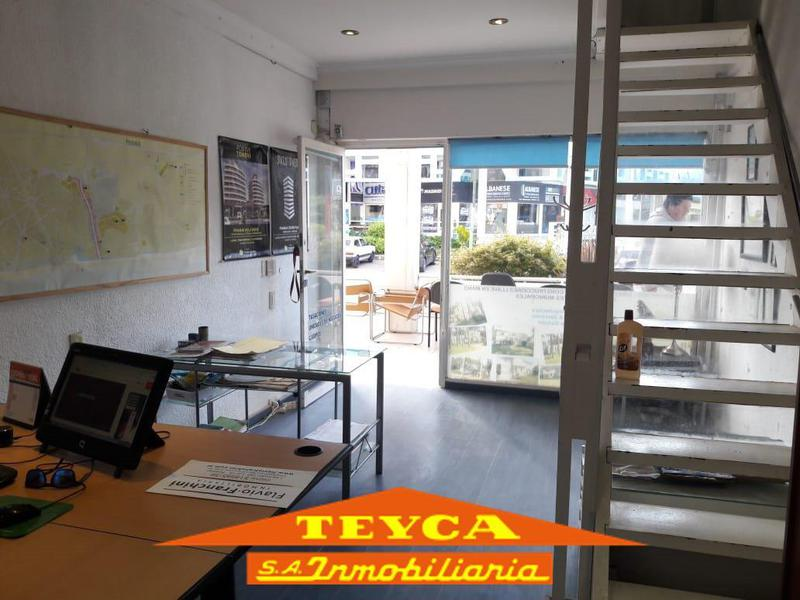 Foto Local en Venta en  Centro,  Pinamar  AV. Libertador 131