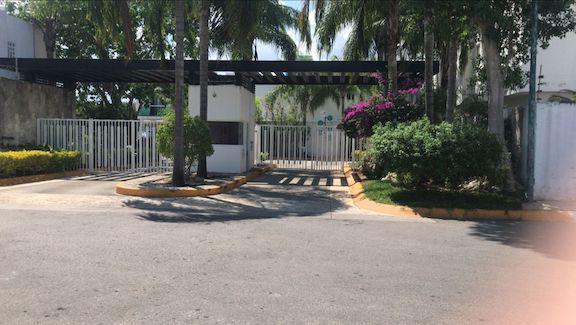 Foto Casa en Venta en  Playa del Carmen Centro,  Solidaridad  Bienvenido a Fraccionamiento Velamar, Playa del Carmen